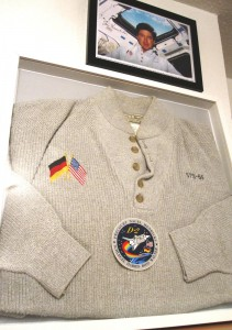 sts-55-pullover